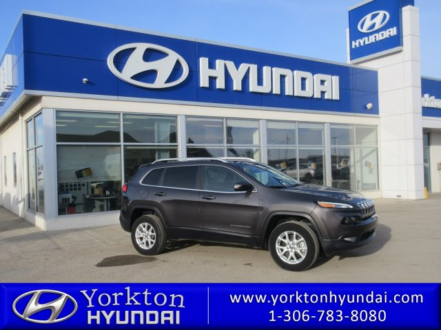 Pre-Owned 2017 Jeep Cherokee North Latitude